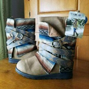 Muk Luks Nikki Brown Fashion Boot sz 9
